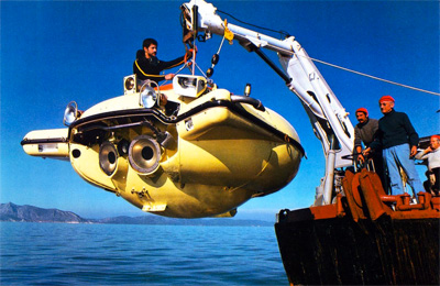 News/07/Cousteau_sulla_Calypso.jpg